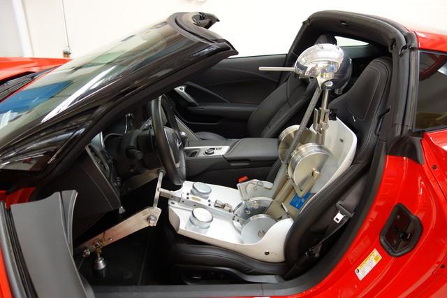 Ghế xe hơi được sản xuất kỳ công như thế nào? - Ảnh 1.