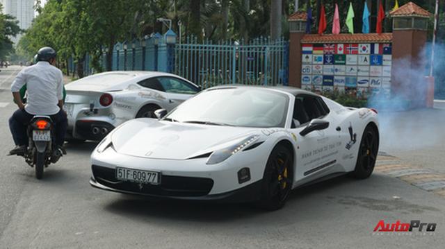 """Dàn siêu xe hàng độc của ông chủ Trung Nguyên """"nhá hàng"""" trên phố Sài Gòn trước roadshow"""