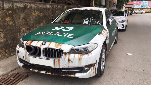 Bộ đôi xe sang tiền tỷ BMW và Audi phong cách gỉ sét của dân chơi Việt khiến không ít người xót xa
