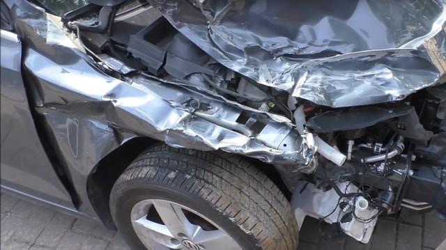 Xe bán sắt vụn Volkswagen Jetta được sửa lại như mới sau 1 tuần