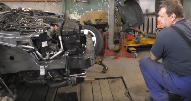 Xe bán sắt vụn Volkswagen Jetta được sửa lại như mới sau 1 tuần - Ảnh 2.