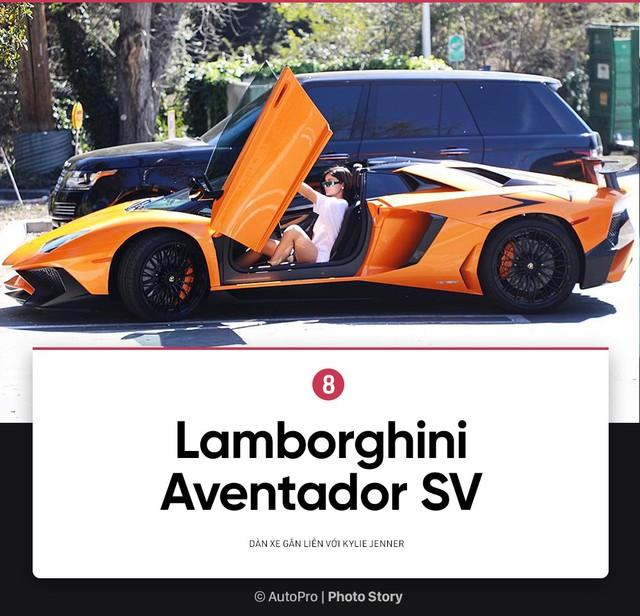 [Photo Story] Bộ sưu tập xe khủng của Kylie Jenner - Em gái út của Kim siêu vòng 3 - Ảnh 8.