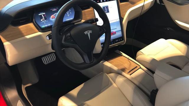 Lỗi hệ thống của Tesla đã sản sinh ra chiếc Model S có nội thất độc nhất vô nhị này - Ảnh 1.