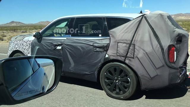 SUV 7 chỗ Kia Telluride thay tản nhiệt, đèn pha, tiến gần hơn tới ngày ra mắt - Ảnh 3.