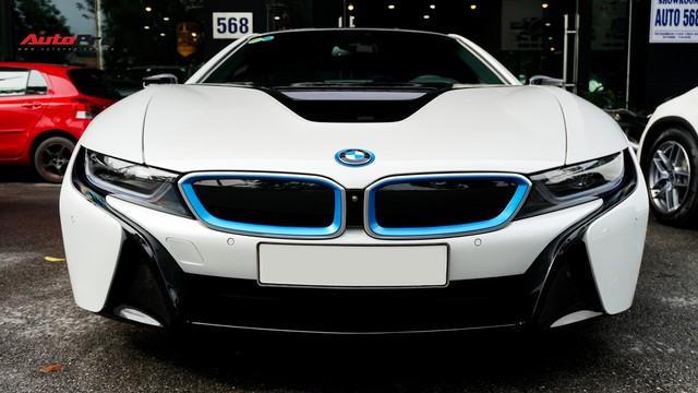 BMW i8 - Siêu xe đình đám một thời tụt giá mạnh tại Việt Nam - Ảnh 1.