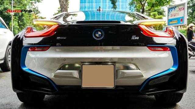 BMW i8 - Siêu xe đình đám một thời tụt giá mạnh tại Việt Nam - Ảnh 6.