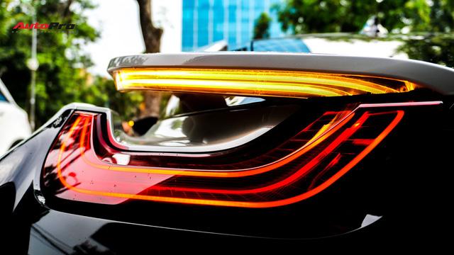 BMW i8 - Siêu xe đình đám một thời tụt giá mạnh tại Việt Nam - Ảnh 7.