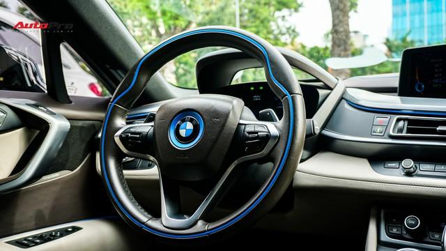 BMW i8 - Siêu xe đình đám một thời tụt giá mạnh tại Việt Nam - Ảnh 10.