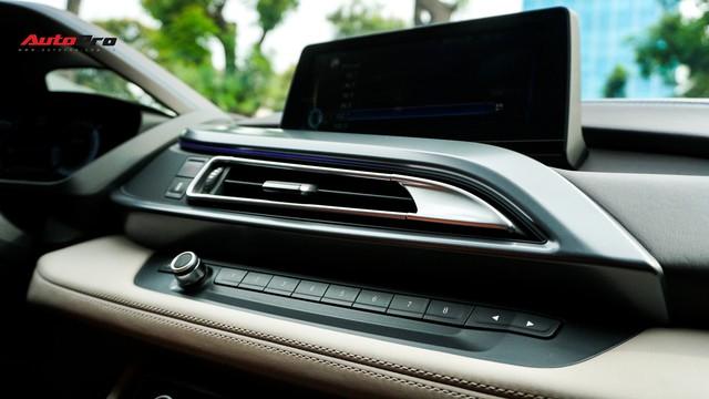 BMW i8 - Siêu xe đình đám một thời tụt giá mạnh tại Việt Nam - Ảnh 14.