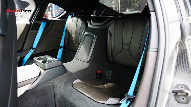 BMW i8 - Siêu xe đình đám một thời tụt giá mạnh tại Việt Nam - Ảnh 18.