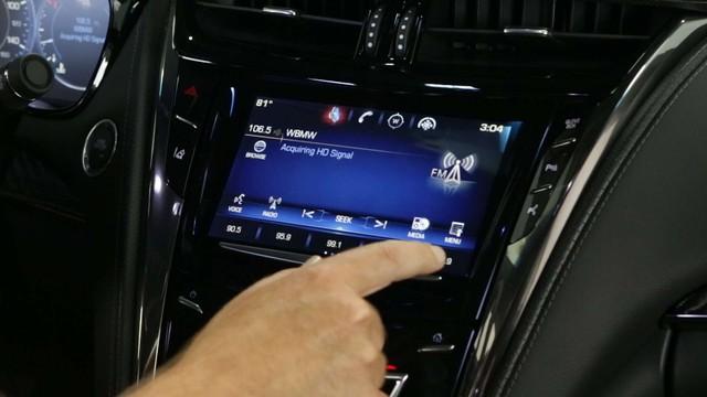 Apple CarPlay, Android Auto ít khiến người dùng xao nhãng hơn các hệ thống giải trí ô tô truyền thống - Ảnh 1.