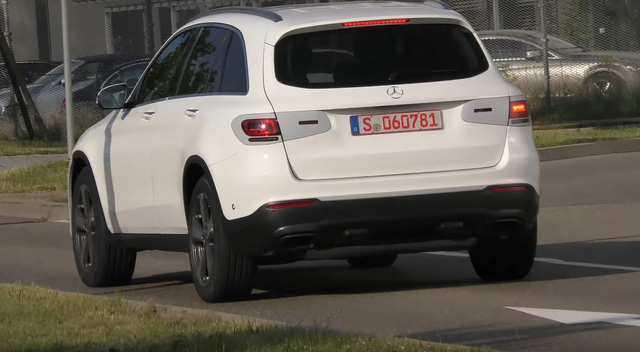 Mercedes-Benz GLC 2019 bất ngờ xuất hiện - Ảnh 3.