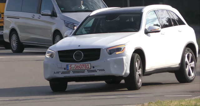 Mercedes-Benz GLC 2019 bất ngờ xuất hiện - Ảnh 2.
