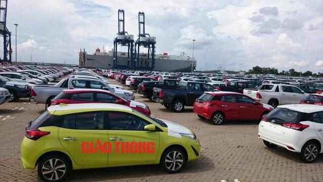 Cận cảnh Toyota Yaris bản vừa cập cảng Việt Nam, giá không đổi - Ảnh 4.