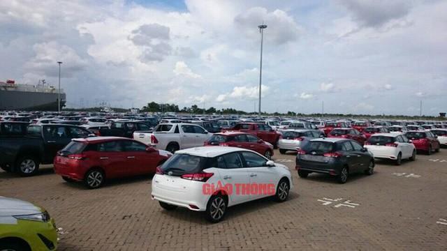 Cận cảnh Toyota Yaris bản vừa cập cảng Việt Nam, giá không đổi - Ảnh 5.