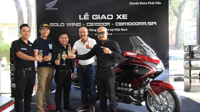 Chủ nhân đầu tiên sở hữu Honda CB1000R và Goldwing chính hãng tại Việt Nam