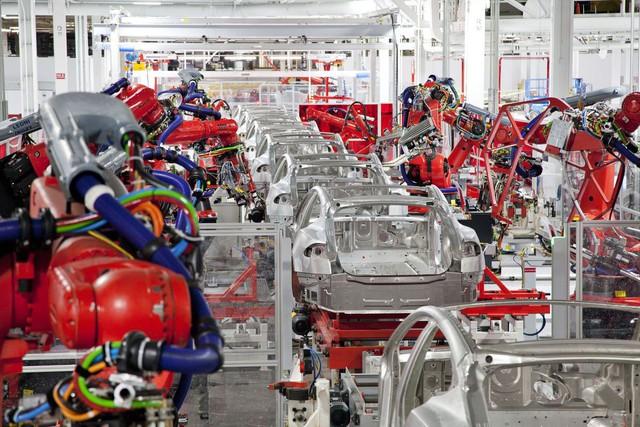 Khách hàng của Tesla sẽ có thể tham gia lắp ráp chiếc xe của mình - Ảnh 2.