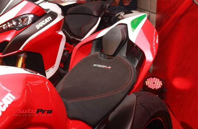 (4h) Chi tiết Ducati Panigale V4 Speciale giá ngang xe ô tô Mercedes-Benz của Biker Việt - Ảnh 13.