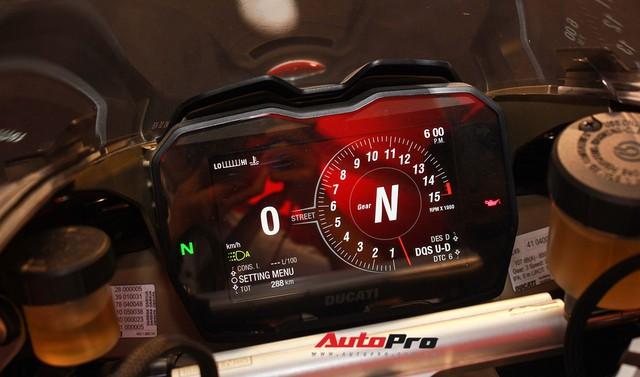 (4h) Chi tiết Ducati Panigale V4 Speciale giá ngang xe ô tô Mercedes-Benz của Biker Việt - Ảnh 6.