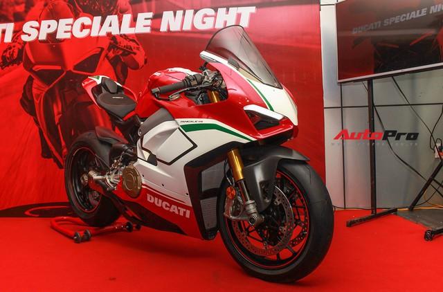(4h) Chi tiết Ducati Panigale V4 Speciale giá ngang xe ô tô Mercedes-Benz của Biker Việt - Ảnh 2.