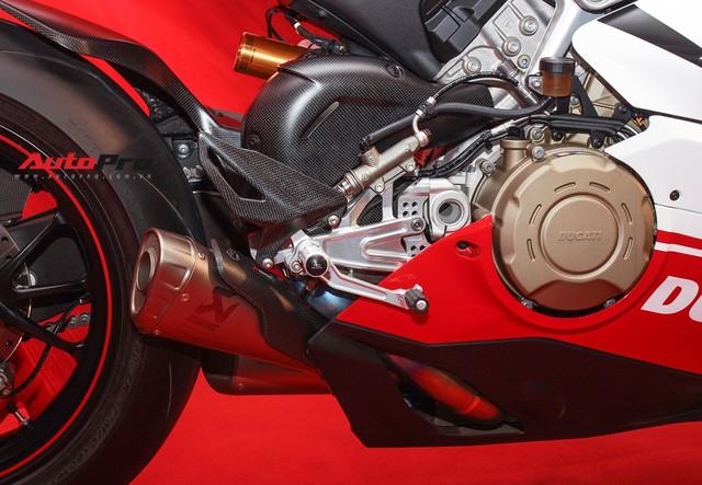 (4h) Chi tiết Ducati Panigale V4 Speciale giá ngang xe ô tô Mercedes-Benz của Biker Việt - Ảnh 22.
