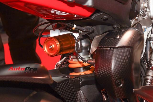 (4h) Chi tiết Ducati Panigale V4 Speciale giá ngang xe ô tô Mercedes-Benz của Biker Việt - Ảnh 20.