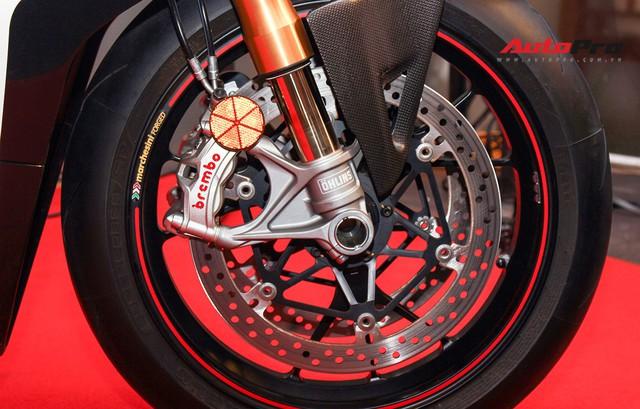 (4h) Chi tiết Ducati Panigale V4 Speciale giá ngang xe ô tô Mercedes-Benz của Biker Việt - Ảnh 18.