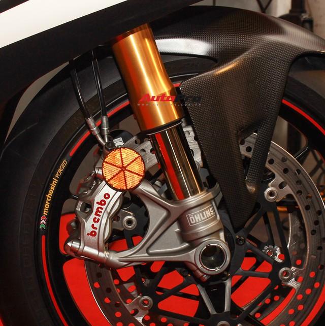 (4h) Chi tiết Ducati Panigale V4 Speciale giá ngang xe ô tô Mercedes-Benz của Biker Việt - Ảnh 17.