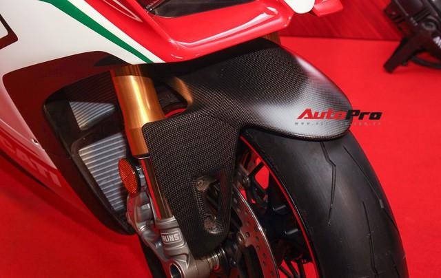 (4h) Chi tiết Ducati Panigale V4 Speciale giá ngang xe ô tô Mercedes-Benz của Biker Việt - Ảnh 16.