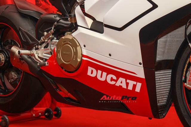 (4h) Chi tiết Ducati Panigale V4 Speciale giá ngang xe ô tô Mercedes-Benz của Biker Việt - Ảnh 31.