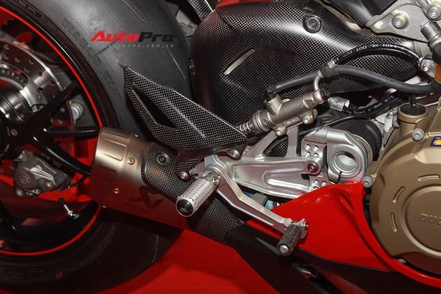 (4h) Chi tiết Ducati Panigale V4 Speciale giá ngang xe ô tô Mercedes-Benz của Biker Việt - Ảnh 15.