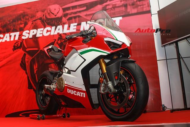 (4h) Chi tiết Ducati Panigale V4 Speciale giá ngang xe ô tô Mercedes-Benz của Biker Việt - Ảnh 4.