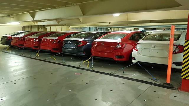 Tàu chở rất nhiều xe nhập khẩu miễn thuế về Việt Nam, có cả Honda, Chevrolet, Ford và Nissan - Ảnh 2.