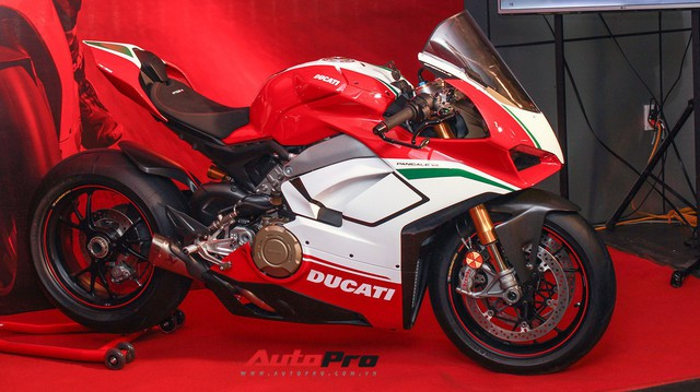 Chi tiết Ducati Panigale V4 Speciale giá ngang xe Mercedes-Benz của biker Việt