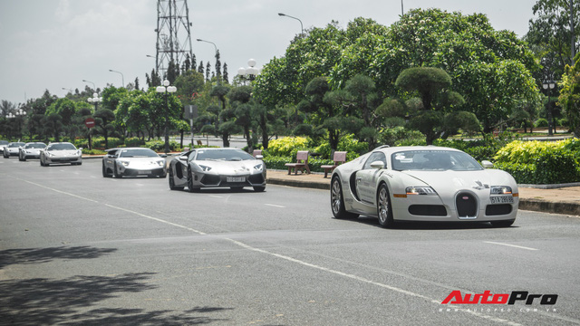 Bugatti Veyron có thể được đưa lên xe kéo để về đích trong hành trình xuyên Việt - Ảnh 3.
