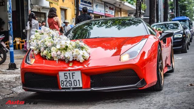 """""""Ma trận"""" siêu xe và xe siêu sang trong đám cưới tại Sài Gòn: Hoa mắt không biết đâu mới là xe dâu - Ảnh 1."""