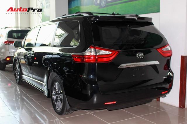 Chi tiết Toyota Sienna Limited 2018 giá 4 tỷ đồng vừa về Việt Nam - Ảnh 3.