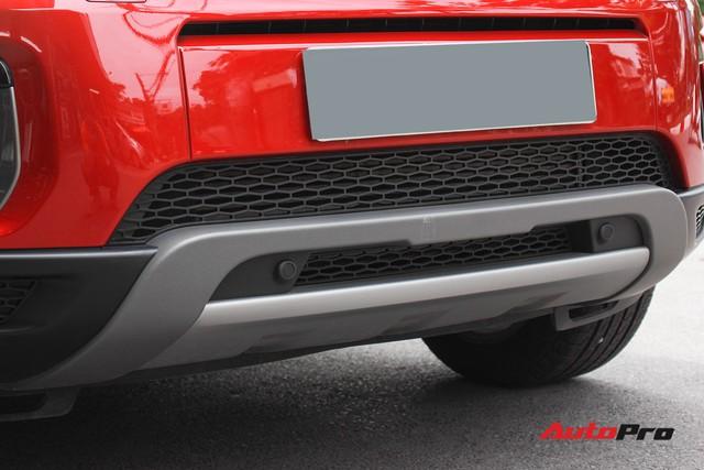 Mới lăn bánh 7.500km, Range Rover Evoque 2017 được rao bán lại giá 2,85 tỷ đồng - Ảnh 9.