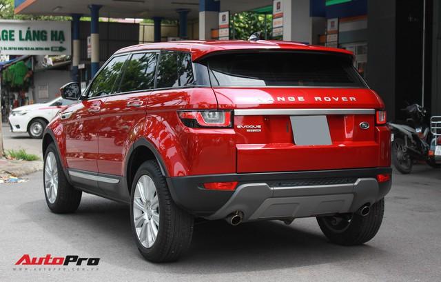 Mới lăn bánh 7.500km, Range Rover Evoque 2017 được rao bán lại giá 2,85 tỷ đồng - Ảnh 3.