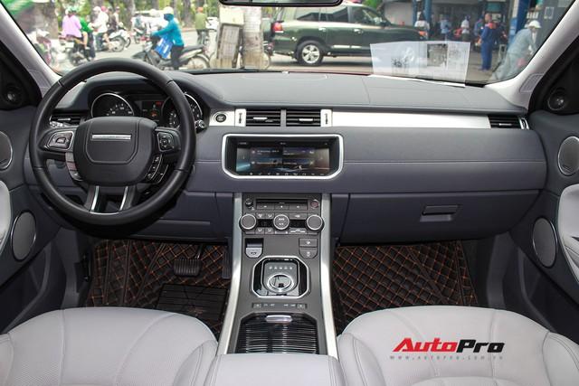 Mới lăn bánh 7.500km, Range Rover Evoque 2017 được rao bán lại giá 2,85 tỷ đồng - Ảnh 11.