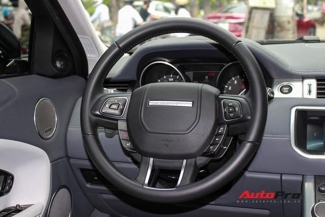 Mới lăn bánh 7.500km, Range Rover Evoque 2017 được rao bán lại giá 2,85 tỷ đồng - Ảnh 15.