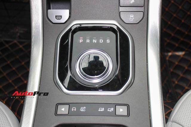Mới lăn bánh 7.500km, Range Rover Evoque 2017 được rao bán lại giá 2,85 tỷ đồng - Ảnh 18.
