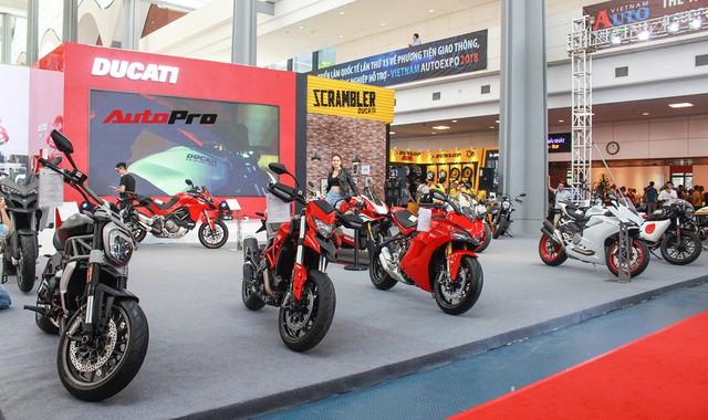 Ducati công bố giá sốc hàng loạt xe phân khối lớn: Panigale V4 dưới 1 tỷ đồng - Ảnh 2.