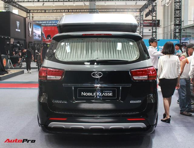 Khám phá xe gia đình Kia Carnival độ phong cách hạng sang vừa xuất hiện tại Việt Nam - Ảnh 11.