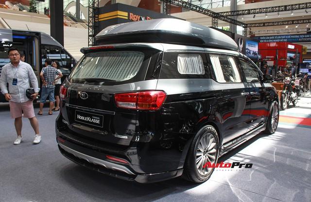 Khám phá xe gia đình Kia Carnival độ phong cách hạng sang vừa xuất hiện tại Việt Nam - Ảnh 3.