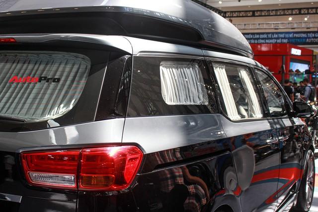 Khám phá xe gia đình Kia Carnival độ phong cách hạng sang vừa xuất hiện tại Việt Nam - Ảnh 13.