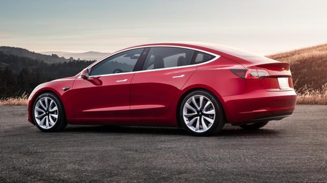 """Gần 1/4 khách đặt trước Tesla Model 3 """"bỏ của chạy lấy người"""""""