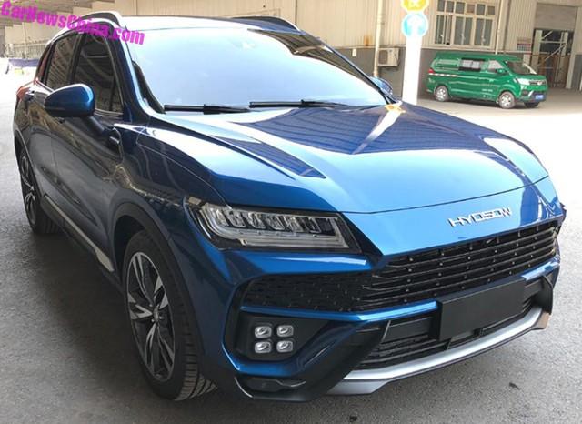 Hàng nhái của Lamborghini Urus bắt đầu lăn bánh trên phố - Ảnh 1.