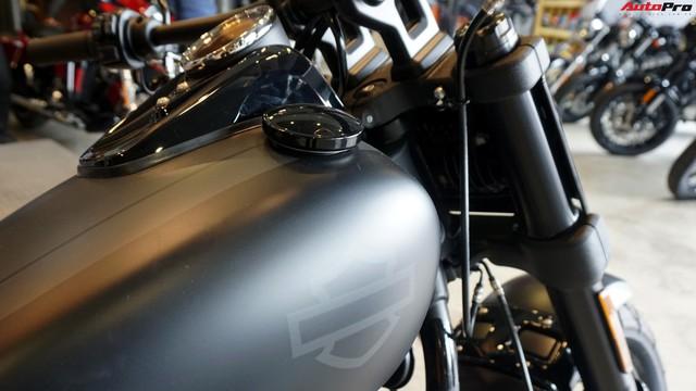 [Video] Cận cảnh Harley-Davidson Fat Bob 2018 giá gần 1 tỷ đồng tại Hà Nội - Ảnh 6.
