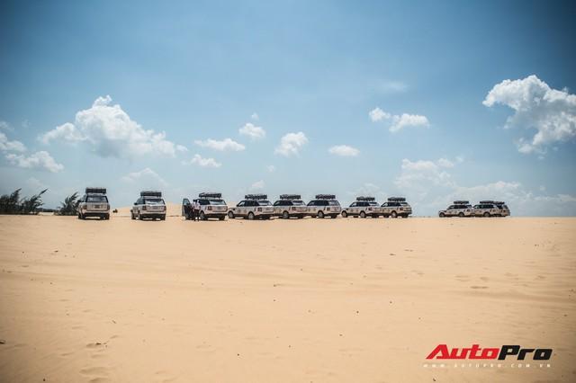 Dàn Range Rover của ông chủ cafe Trung Nguyên trổ tài offroad tại Bàu Trắng trong hành trình xuyên Việt - Ảnh 7.